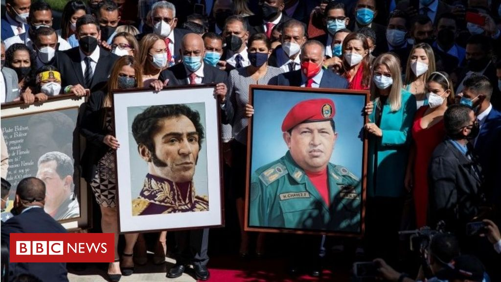 Venezuela crisis: Maduro loyalists take control of parliament