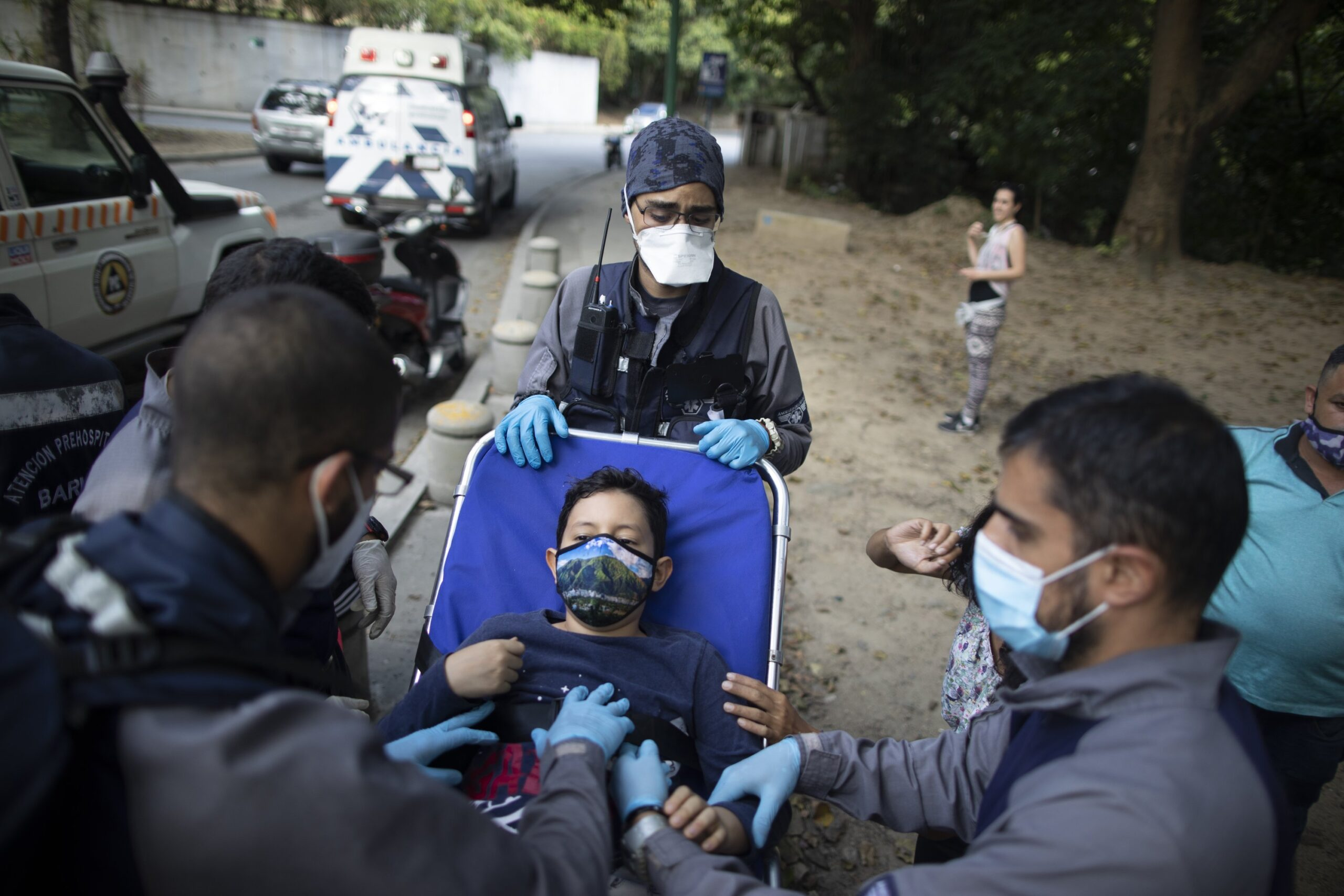 Volunteer paramedics patrol streets of Venezuela's capital
