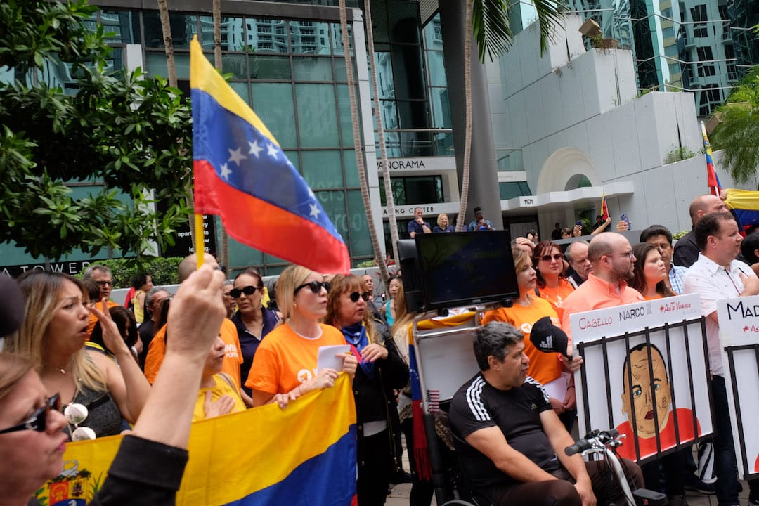 The Exile Effect: Venezuela's Overseas Opposition and Social Media