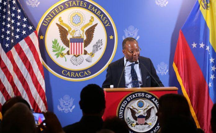 Biden nominó para cargo antidrogas a diplomático expulsado por Maduro en 2018