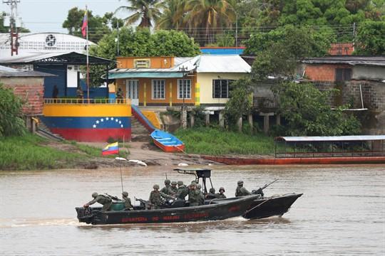 Venezuela's 'Unprecedented' Military Offensive Raises Border Tensions With Colombia