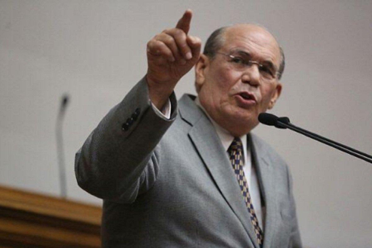 Este martes van a elegir ilícitamente un CNE: Omar González
