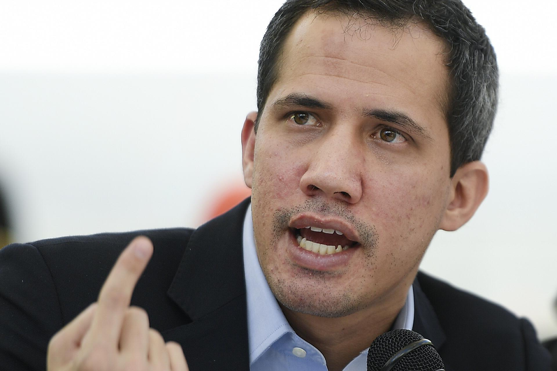 Venezuela opposition leader calls for dialogue with Maduro