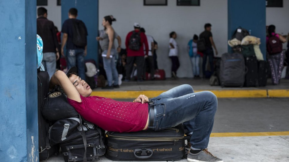 Venezuelan counsellors offer fellow refugees 'psychological first aid'