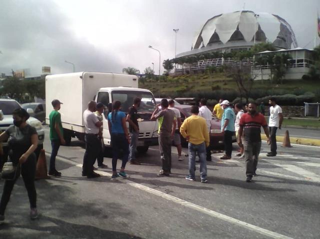 Ciudadanos protestan en las calles de Barquisimeto ante la escasez de combustible #31May (Fotos)
