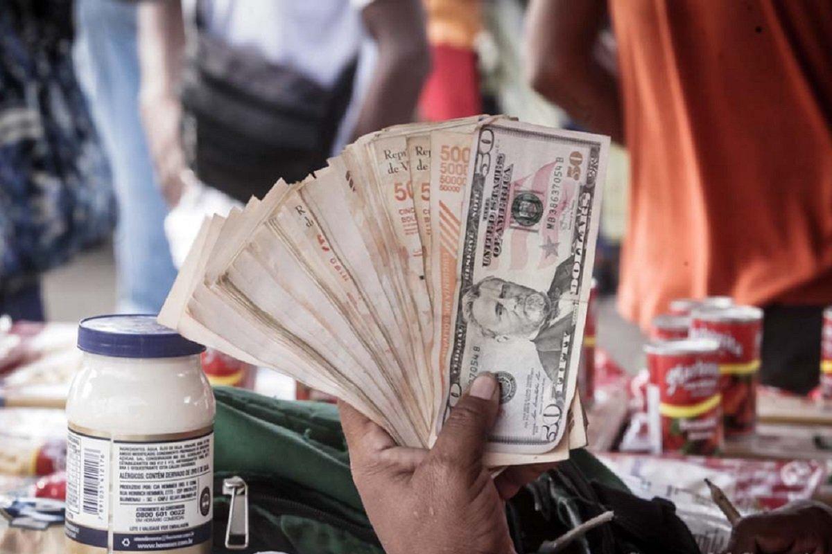 Especial ND | El Callao: Donde la falta de bancos y la pésima conectividad se alivian con bolívares en efectivo