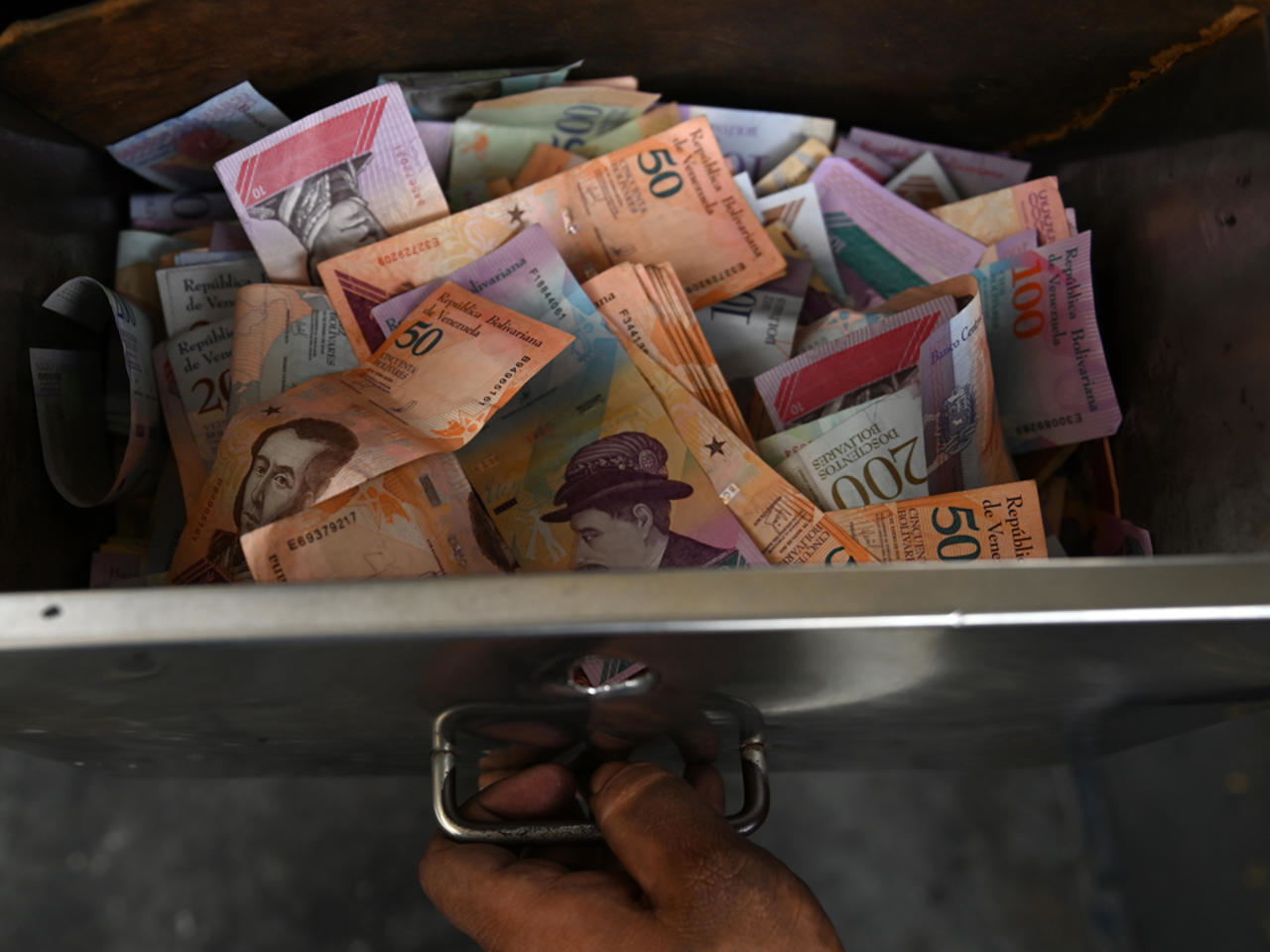 Live.Die.Repeat: A New Currency Redenomination Is Coming to Venezuela